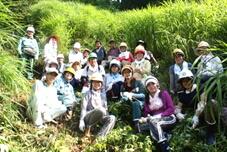 筑波大学のコーリャク隊との茅場下草刈り